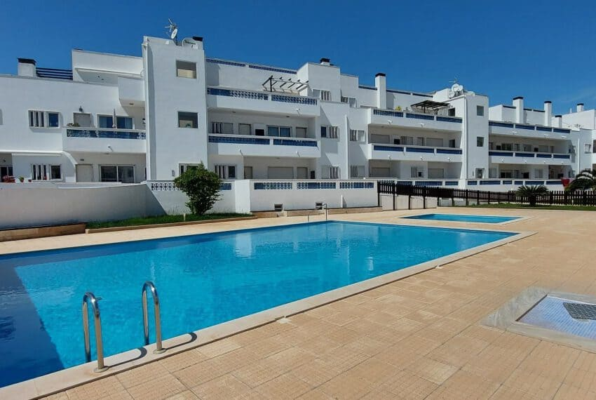 3 bedroom apartment topfloor Santa Luzia Tavira beach golf East Algarve Barril swimming pool (1)