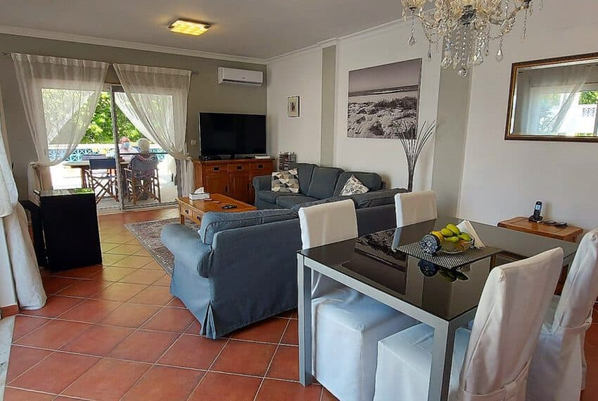 3 bedroom apartment topfloor Santa Luzia Tavira beach golf East Algarve Barril swimming pool (4)