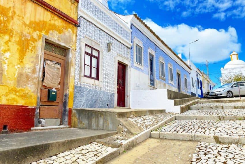 townhouse for renovation center Tavira East Algarve beach golf (26)