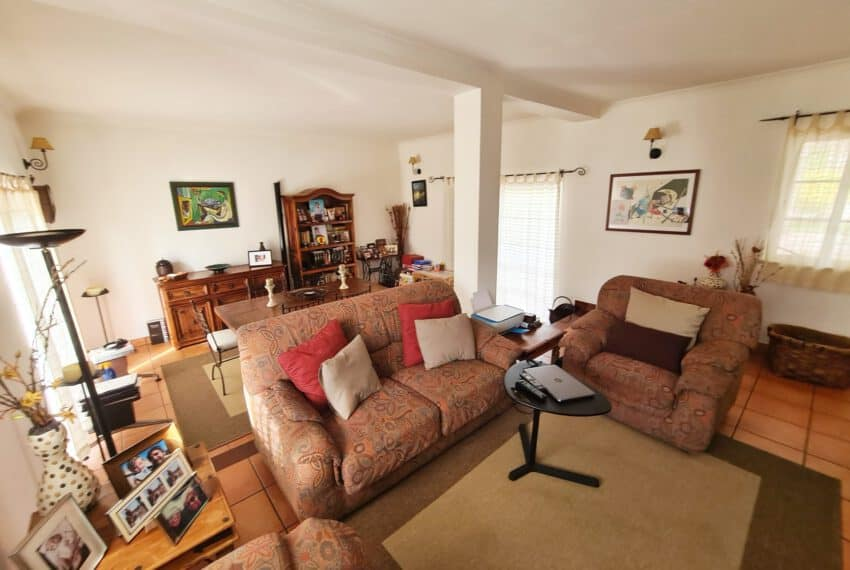 3 bedroom villa with Pool Moncarapacho East Algarve beach golf  (11)